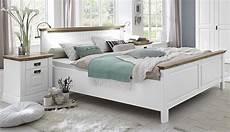 Bett Landhausstil Weiß - bett 100x200 kiefer massiv weiss lackiert wildeiche ge 246 lt