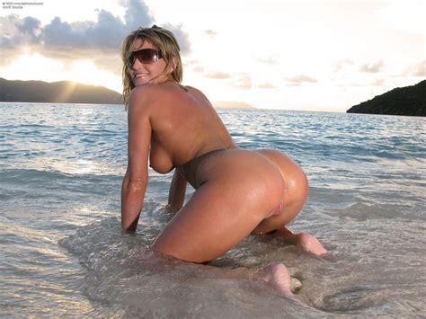 Carli Banks Nude