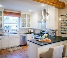 Kitchen Decor Fixer by How To Add Quot Fixer Quot Style To Your Home Kitchens