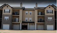 attached garages amenities 92west