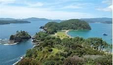 motuarohia island wikipedia