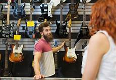 buy and sell guitars 3 things to avoid when buying an electric guitar musical study
