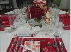 How to Set the Table for Christmas Dinner : Arranging