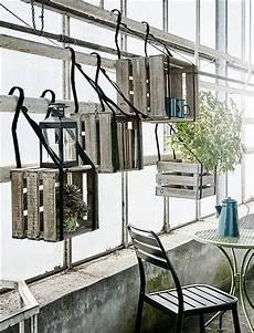 lochblech für balkon tolle idee um k 228 sten auf dem balkon zu befestigen oder ein