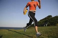berbagi info olahraga dan kesehatan bagaimana memilih sepatu untuk lari