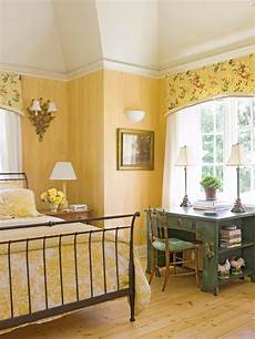 Yellow And Green Bedroom Decorating Ideas by Decorating Ideas For Yellow Bedrooms Bedrooms Home