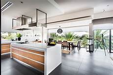 cuisine contemporaine design modern rectangular house impresses with a splendid