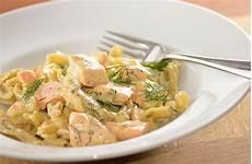 Lachs Mit Sahnesauce - lachs in sahne senf sauce mit fusili kochen nach bildern