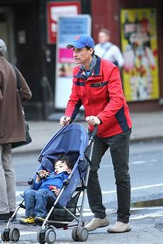 Anthony Weiner Takes To The Park As Huma Faces