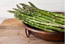 come pulire e cucinare gli asparagi selvatici come pulire e cucinare gli asparagi casa di vita