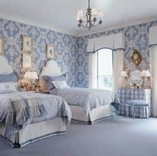 tapete blau schlafzimmer blue and white damask bedding foter