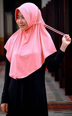 Inspirasi Baru 30 Jilbab Instan Serut