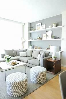 hellgraue couch wohnzimmer hellgraue couch couch hellgrau sofa leder