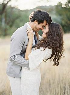55 best engagement poses inspirations for sweet memories 041 oosile