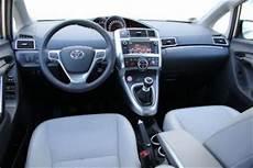 Adac Auto Test Toyota Verso 1 6 D 4d Executive 7 Sitzer