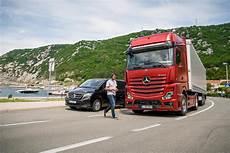mercedes truck 2019 mercedes trucks presents the new actros 2019