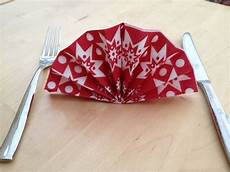 weihnachten servietten falten ways to fold your napkins for dinner