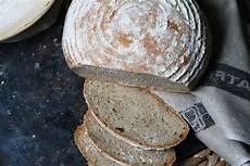 Ein Laib Mit Seele Selbstgebackenes Weizen Roggen Brot