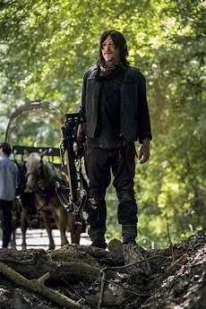 Walking Dead - walking dead season 9 credits conflicts explained by
