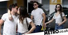 Niall Horan And Hailee Steinfeld Officially Dating As They