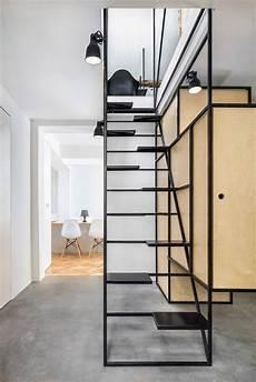 treppen die wenig platz brauchen dontdiy installs black wireframe staircase inside house