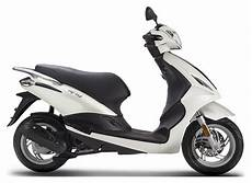 New 2019 Piaggio Fly 50 Scooters In Goshen Ny