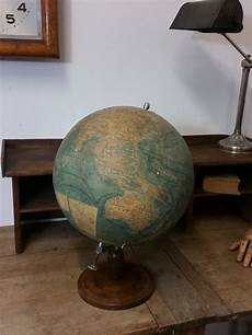 ancien globe terrestre forest patine