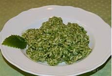 come cucinare le ortiche risotto con le ortiche vittoria ai fornelli