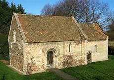 Flachdach Vs Satteldach - leper chapel cambridge