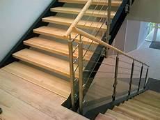 garde corps pour escalier garde corps 3 cables et verre avec courante en bois
