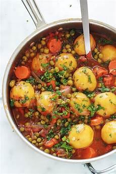 Petits Pois Carottes Et Pommes De Terre En Sauce Tomate