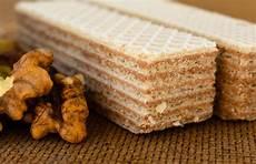 dolce con wafer cialda con il wafer dolce del dessert delle noci immagine stock immagine di pasto spuntino
