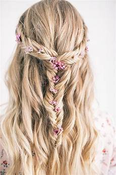 the prettiest festival hairstyle the blondielocks life style