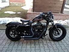 Umgebautes Motorrad Harley Davidson Sportster Custom 53