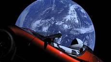le tesla roadster dans l espace a fait premier tour du