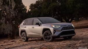 2019 Toyota RAV4 Hybrid XSE Color Silver Sky Metallic