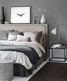 graue wand schlafzimmer grey bedroom ideas grey bedroom decorating grey colour