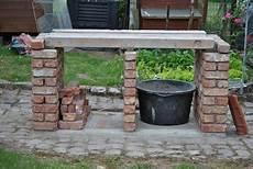construire un barbecue en briques avec avaloir m 233 tallique