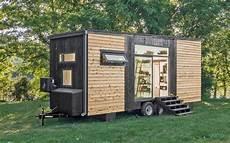 haus auf rädern gebraucht tiny homes das minihaus alpha ist eine komplette luxuswohnung