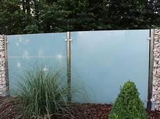 pflanzen holz und alu sichtschutz fuer den sichtschutz aus glas f 252 r den garten glasprofi24
