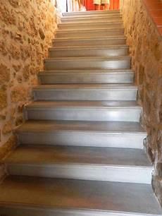 Escalier Gris Liss 233 Droit Nez De Marche Rond