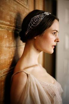 1920 s hairstyle trend for the romantic bride arabia weddings