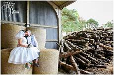 katie byram photography a laid back rustic diy wedding for dan morgan high house farm brewery