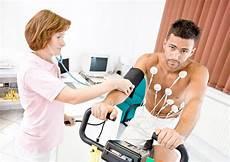 schwitzen bei kleinster anstrengung herz herzkrankheiten erkennen und behandeln