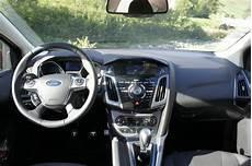 Ford Focus Armaturenbrett Tblt De