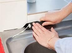 enlever joint silicone magnifique joint comment changer un silicone dans votre cuisine ou pose salle de bain