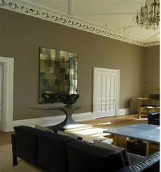salon taupe et blanc couleur taupe dans salon avec portes peinture ivoire