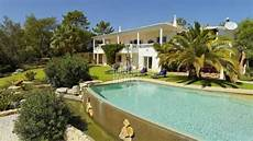 luxusvilla mit pool in portugal west algarve