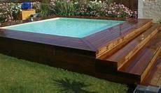 piscine hors sol coque piscine coque avec terrasse bois