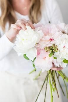 diy wedding flowers peonies diy peony wedding bouquet tutorial whitney blake